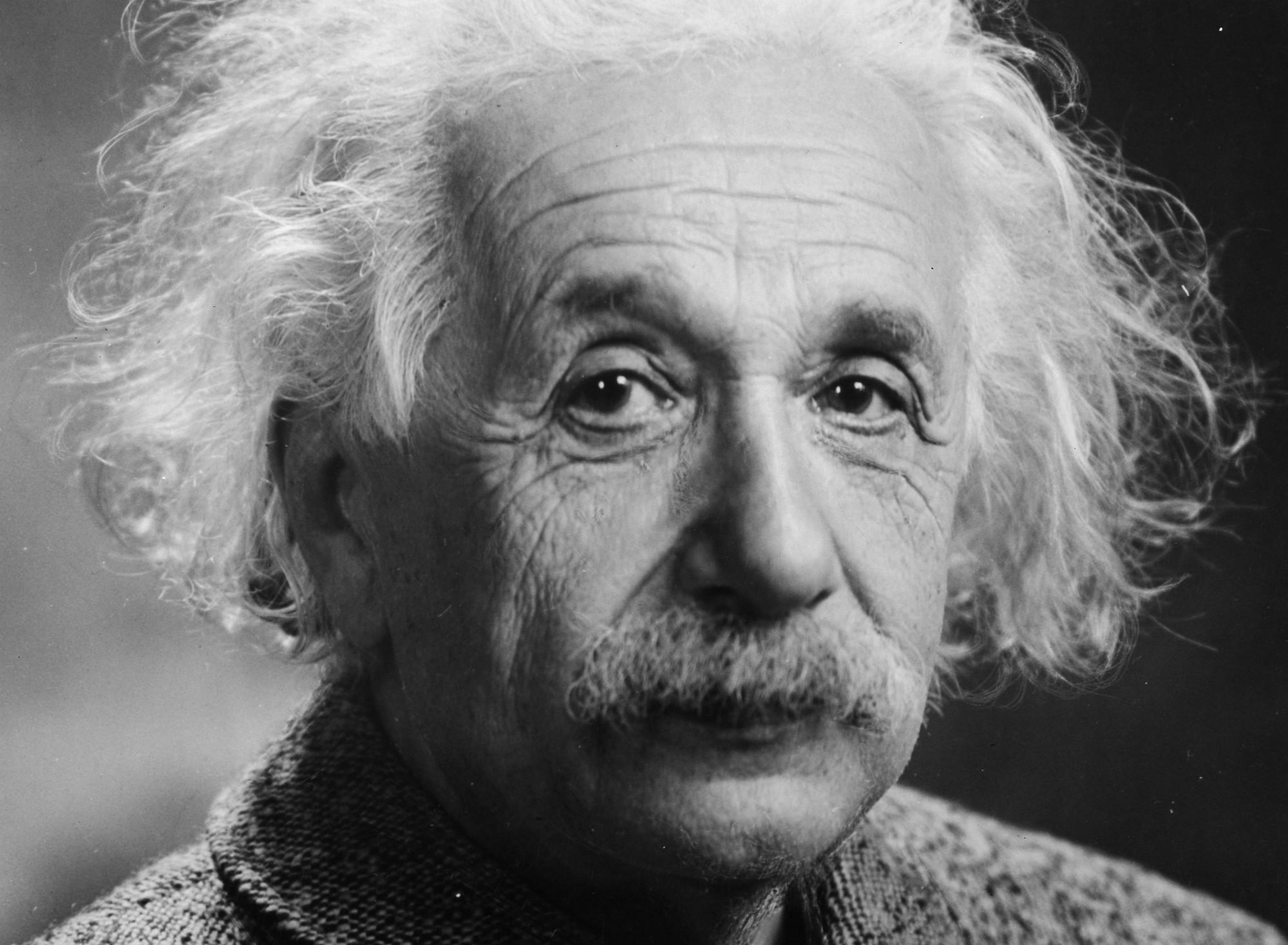 100 Famous People Painting: Albert Einstein Advarte Mot «trolling» For Over 100 år