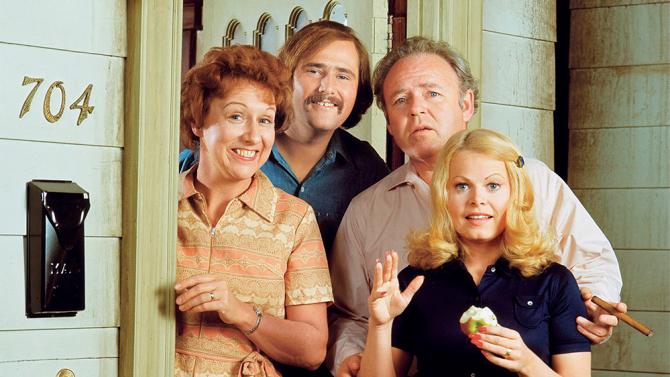 «All in the Family», den banebrytende situasjonskomedien skapt av Norman Lear, som ble sendt på amerikanske CBS fra 1971 til 1979.