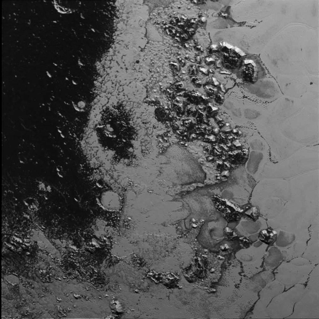 New Horizons har funnet enda en fjellkjede innenfor Plutos «hjerte». Foto: NASA/JHUAPL/SWRI