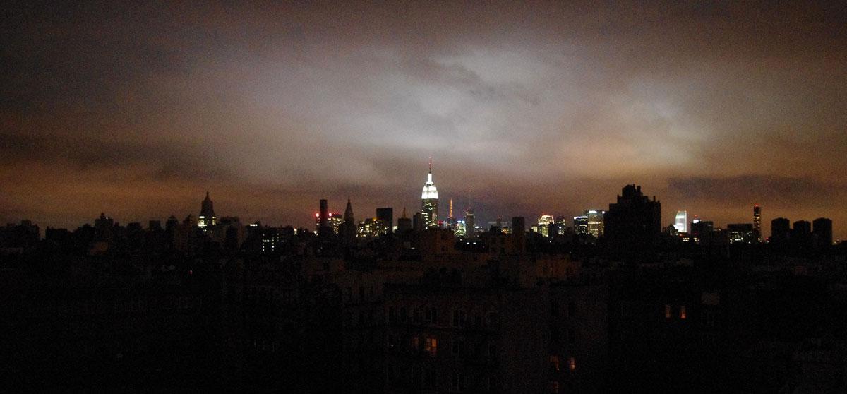 Også naturkatastrofer kan knekke strømmen. Under Hurricane Sandy i 2012 mistet deler av New York strømmen. Foto: David Shankbone / CC 2.0