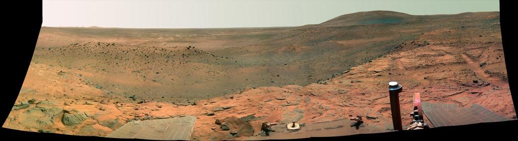 Panorama fra Mars fanget av Spirit i september 2007. Klikk for større versjon. Foto: NASA