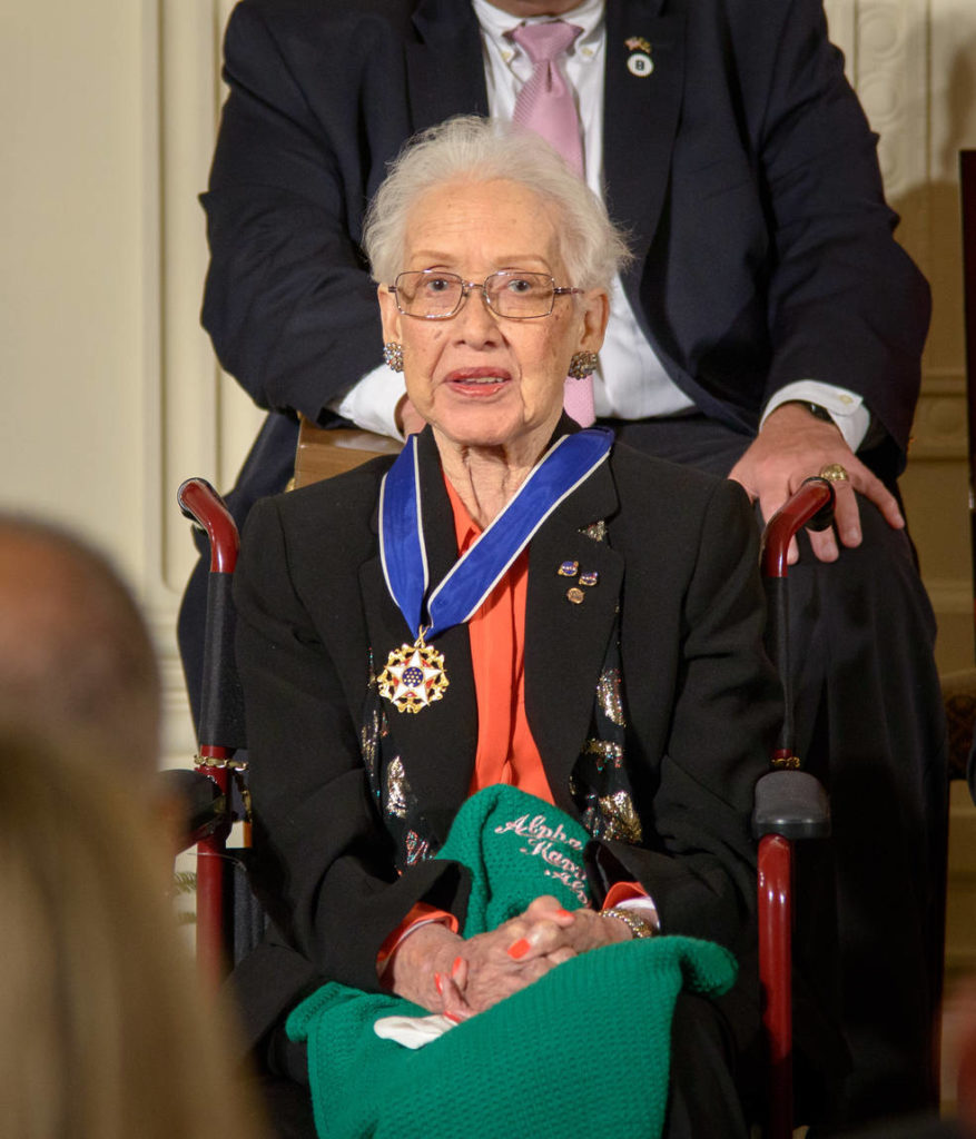 Katherine Johnson mottok National Medal of Freedom i Det hvite hus den 24. november 2015. Foto: NASA/Bill Ingalls