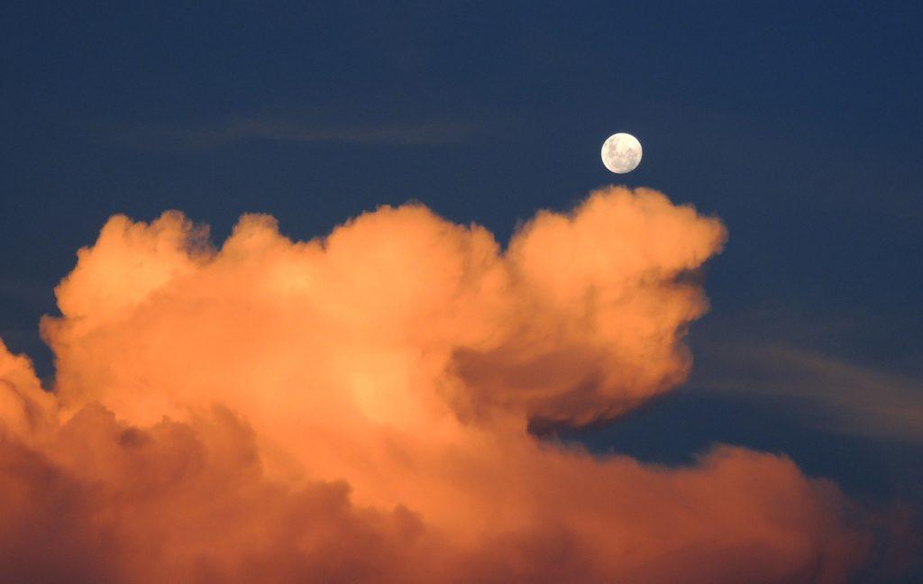 clouds-323426_1280