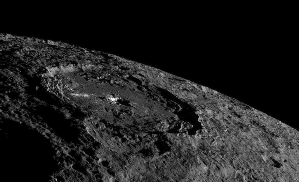 dawn-ceres-occator-crater-photo-1